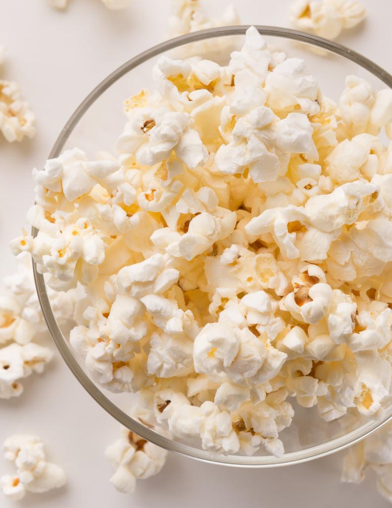 coconut oil popcorn in glass bowl