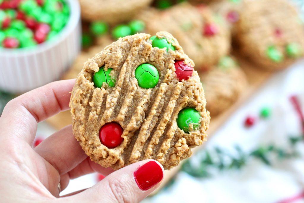 m&m Christmas cookie