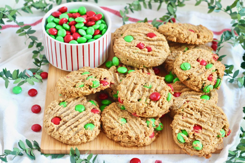 cookie tray for Santa with m&m cookies