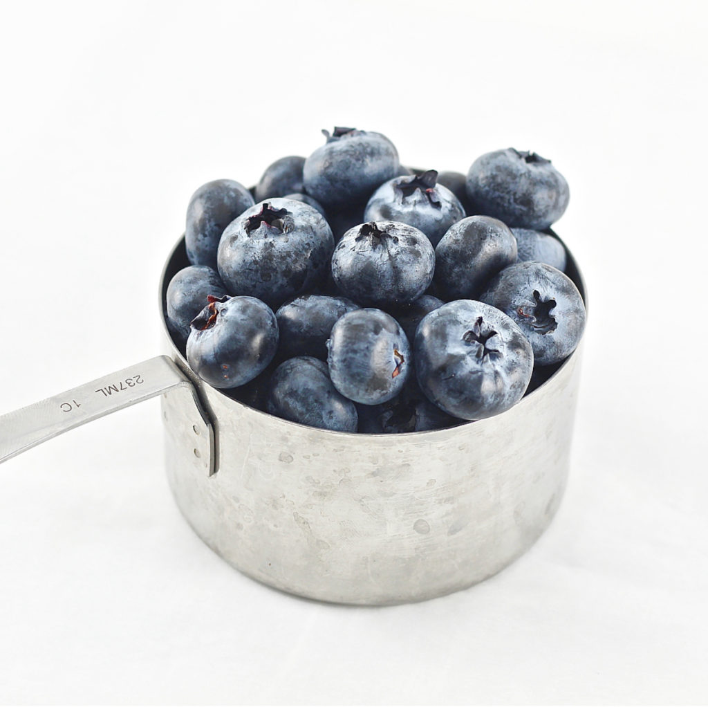 1 measuring cup of blueberries