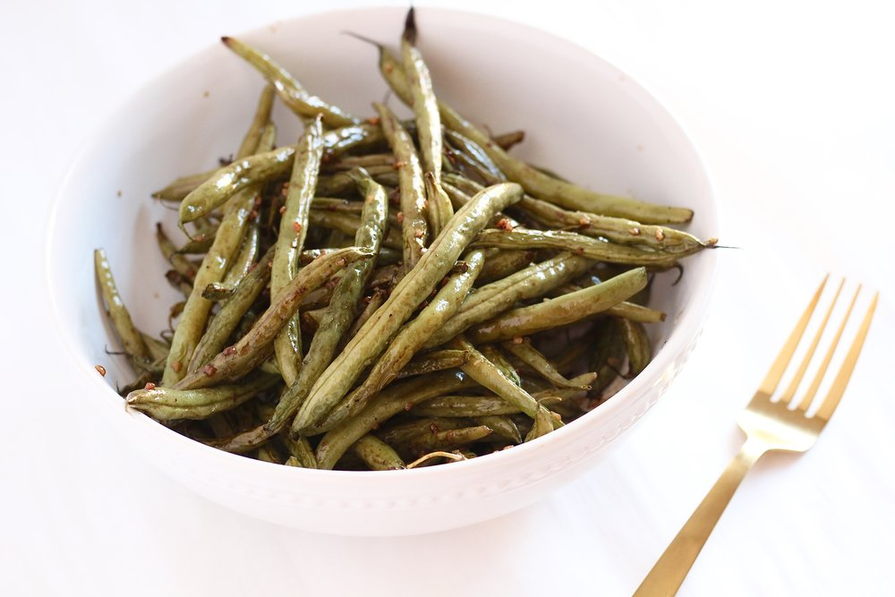 Basic Balsamic Green Beans in a white bowl