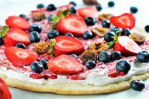 Low Sugar Fruit Pizza with berries