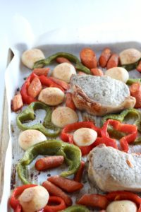 25-minute quick and easy sheet pan dinner with peppers and meat