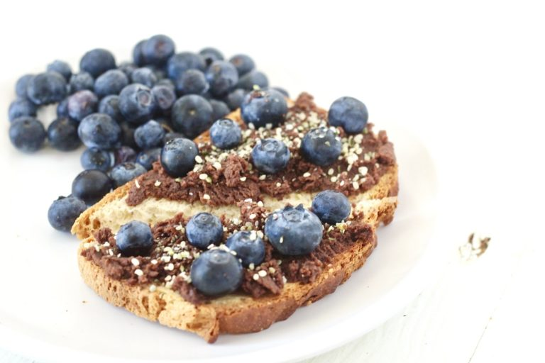 toast with chocolate and blueberries