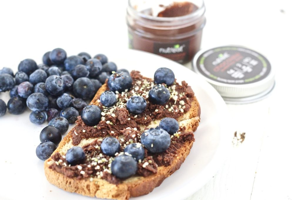 toast with chocolate spread and blueberries