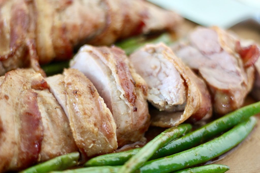 bacon wrapped pork tenderloin with green beans