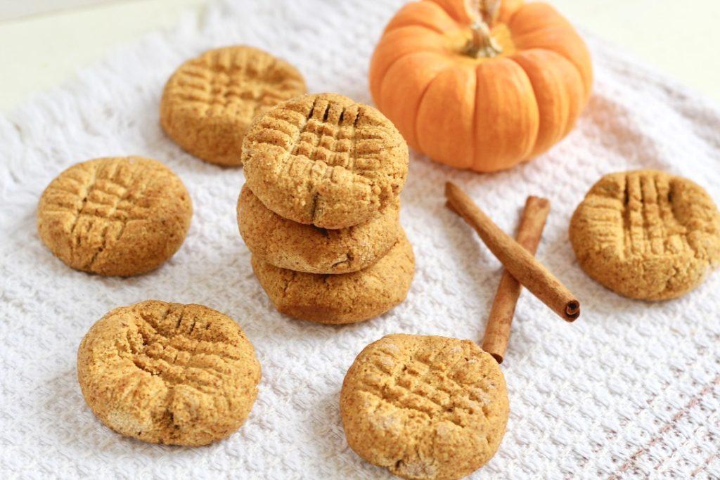 pumpkin cookies with cinnamon sticks and mini pumpkin