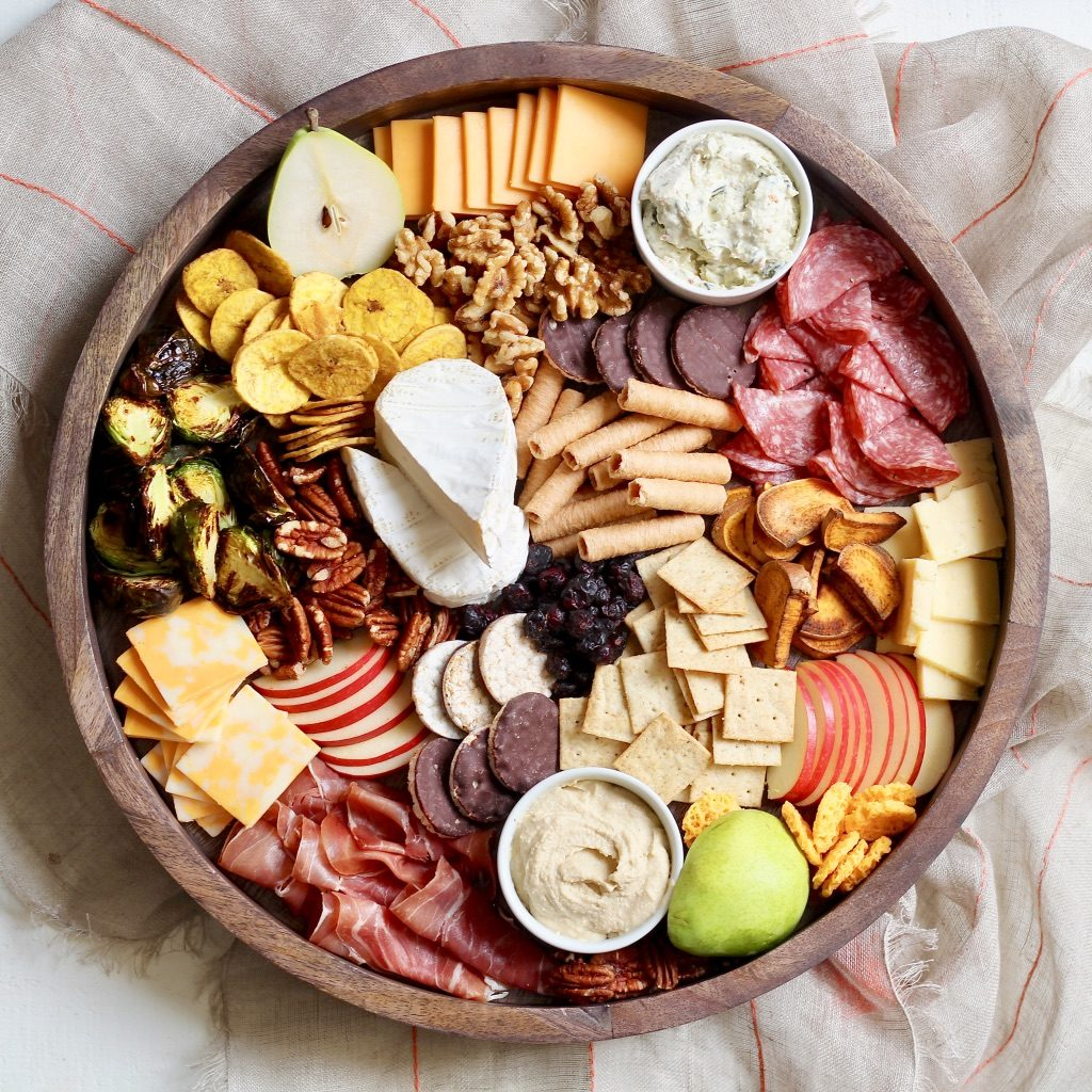 fall charcuterie board for thanksgiving