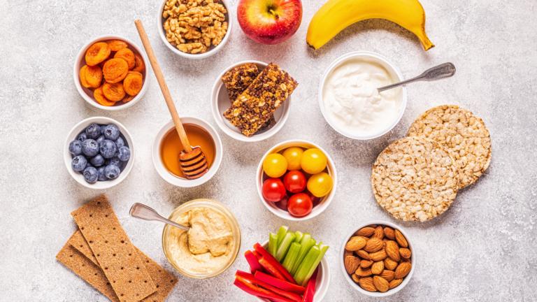 fruit veggies hummus granola bedtime snacks for diabetes