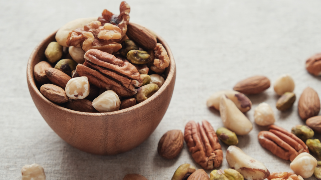 mixed nuts bowl bedtime snacks for diabetes
