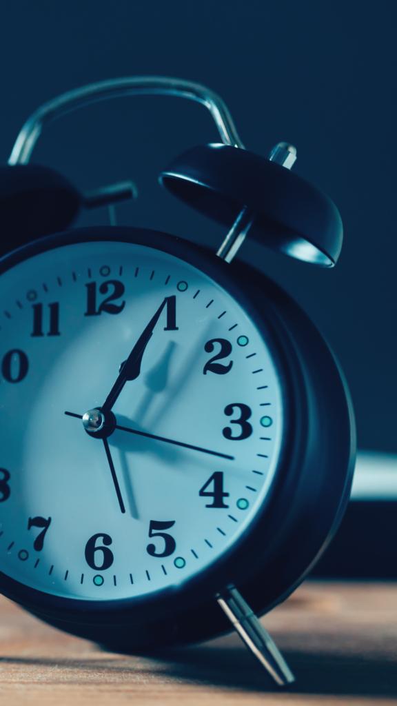 alarm clock for sleep habits