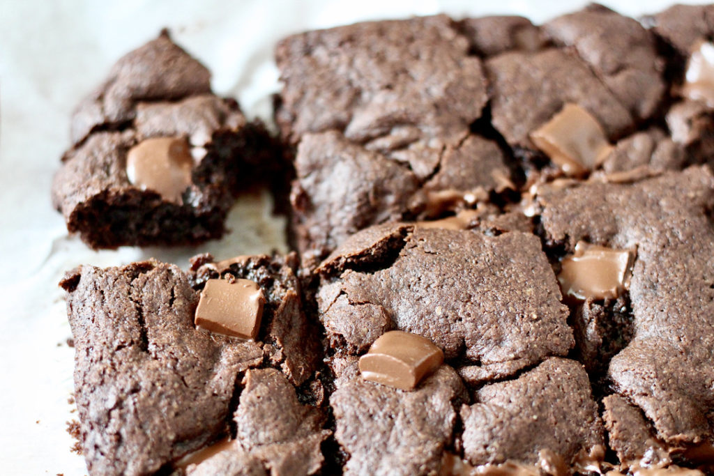gluten free brownies with slice cut out